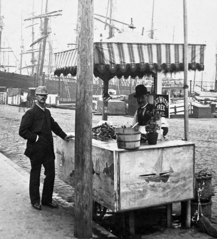 Oyster stand at South Street Seaport / Image courtesy of NYCVintageImages.com