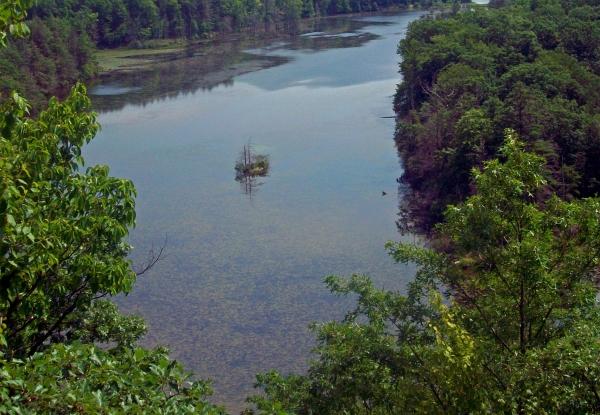 1Canopus_Lake,_Fahnestock_State_Park,_NY